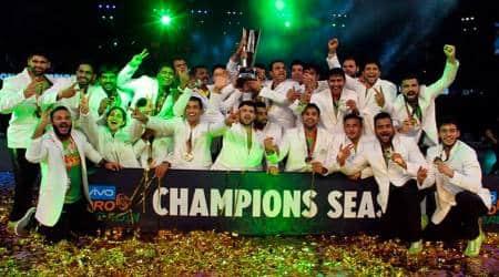 Pardeep Narwal shines as Patna Pirates thrash Gujarat Fortunegiants to win third consecutive Pro Kabaddititle