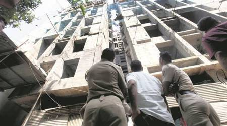 Three workers die after falling from 9th floor of building inPune