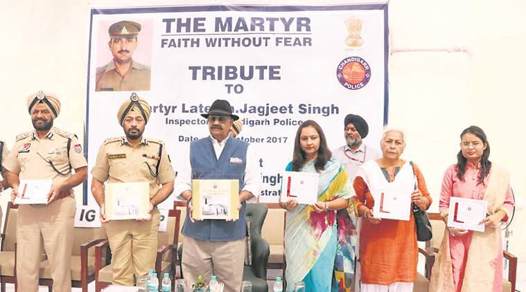 Chandigarh Police, Chandigarh Police pay tributes to martyrs, Punjab police, chandigarh news, punjab news, indian express news