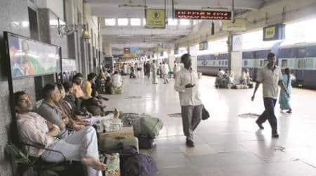 Karnataka Man, Karnataka Man Stealing, CST, CST Mumbai, Mumbai News, Latest Mumbai News, Indian Express, Indian Express News