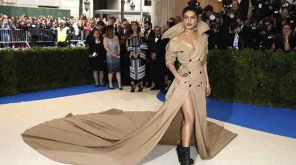 priyanka chopra, priyanka chopra latest photos, priyanka chopra fashion, priyanka chopra best fashion, priyanka chopra fashion tips, priyanka chopra jackets, priyanka chopra jackets fashion, priyanka chopra jackets in fashion, priyanka chopra jackets fashion tips, indian express, indian express news