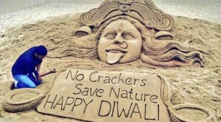 Diwali 2017: Sand artist Sudarsan Pattnaik promotes a cracker-less Diwali and Twitterati were impressed