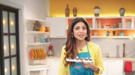 VIDEO: Shilpa Shetty teaches you how to cook dry fruit Karva Chauth 'fast' laddoos in notime