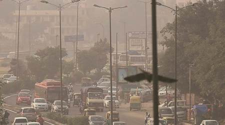 Strong wind reduces pollution but air quality still 'severe'