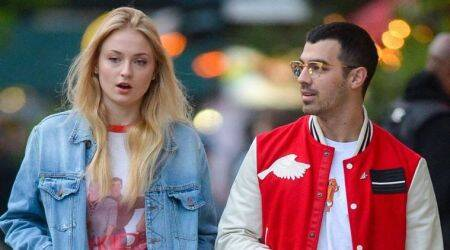 sophie turner, joe jonas, sophie turner engaged, sophie turner boyfriend, sophie turner fiance, entertainment news, indian express news