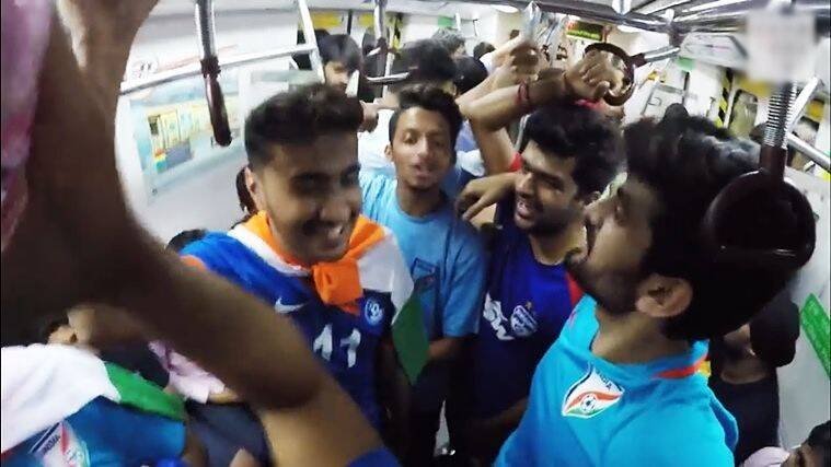 fifa u-17 world cup, fifa under 17 world cup, fifa world cup, indian football fans, indian fans football viral video, indian fans football viral video metro, indian fans football viral video delhi metro, indian express, indian express news