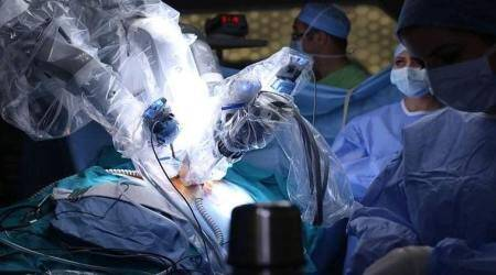 Humans are better, cheaper surgeons than robots: Study