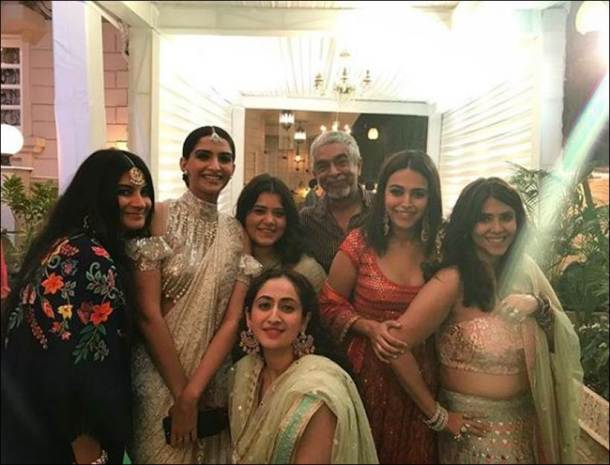 veere di wedding, ekta kapoor veere di wedding, swara bhaskar, sonam kapoor, veere di wedding team, veere di wedding images, ekta kapoor party photos