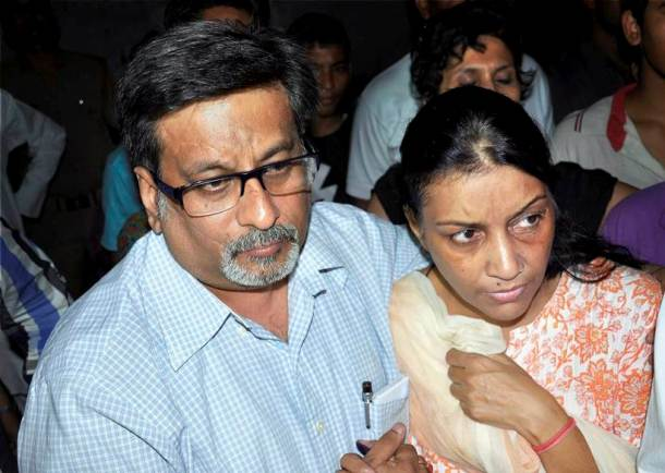 talvar, dasna jail photos, aarushi murder case photo, rajesh talwar pics, nupur talwar images, talwar released from jail pictures, allahabad high court, cbi, 2009 noida double murder, ghaziabad, arushi talwar pics, aarushi talwar case verdict, indian express