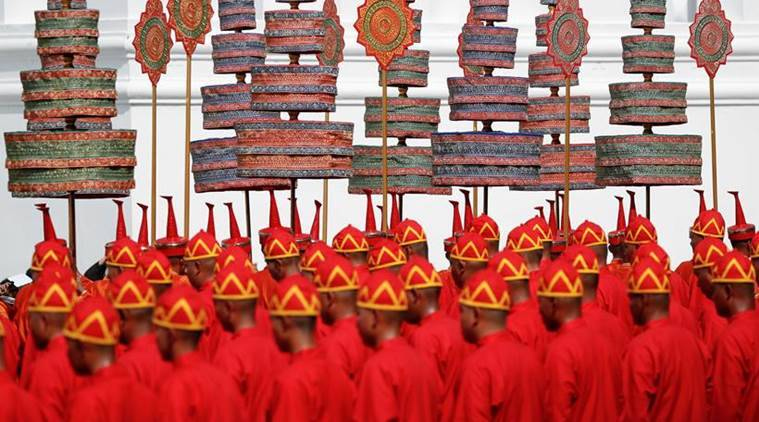 thai king funeral photos, thailand photos, bangkok, thailand king funeral procession images, thailand royal funeral pics, late thai king pics, thailand culture, Bhumibol Adulyadej thai king, thailand king death, indian express