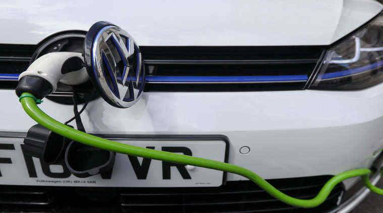 UK drafts law to ensure more gasoline suppliers have electric charging points