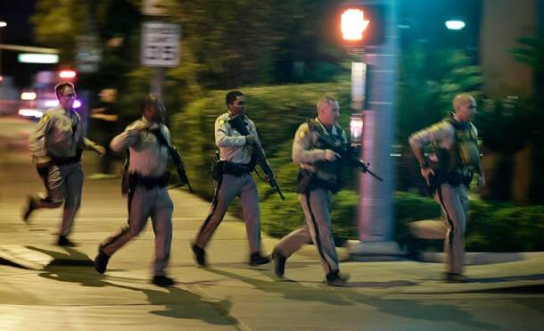Las Vegas Shotting, Las Vegas, Mandalay Bay Casino, Las Vegas shooting pictures, Vegas shooting pictures, music event shooting, US Shooting, donald trump, Indian Express gallery, World News, Indian express