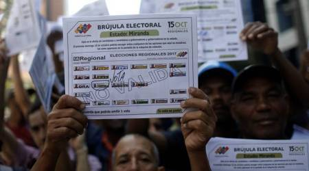 Venezuela frees three journalists held while investigatingprison
