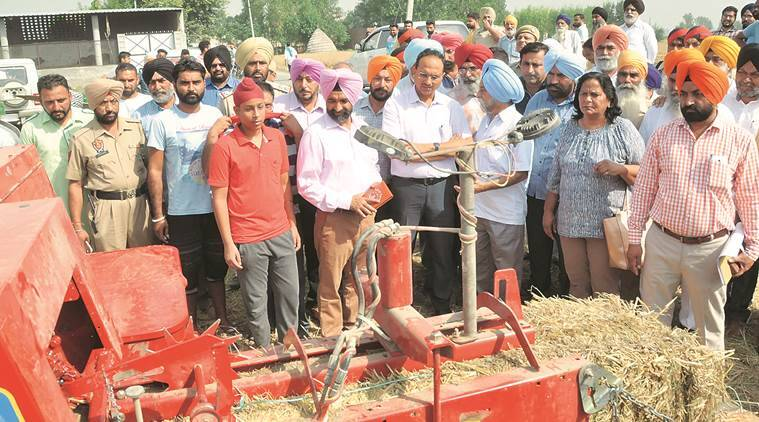 stubble burning, stubble burning jalandhar, stubble burning in punjab, punjab stubble burning, punjab news, indian express news