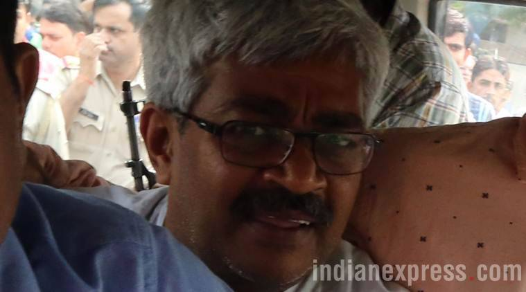 Vinod Verma, Vinod verma rrest, chhatisgarh police, senior journalist arrested, extortion case, Vinod Verma extortion case, Chhattisgarh, Vinod verma photos, Jornalist arrested, BBC, BBC journalist arrested, Indian express photos