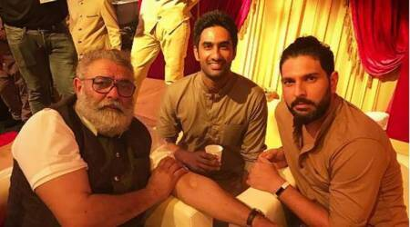 Yuvraj Singh meets father Yograj and all seems well between them, see pic