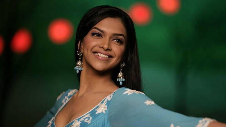10 Years Of Deepika Padukone The Girl From That Close Up Ad Is Now Ruling Bollywood And Her Mesmerising Beauty Isn T The Only Reason For Her Success Entertainment News The Indian Express