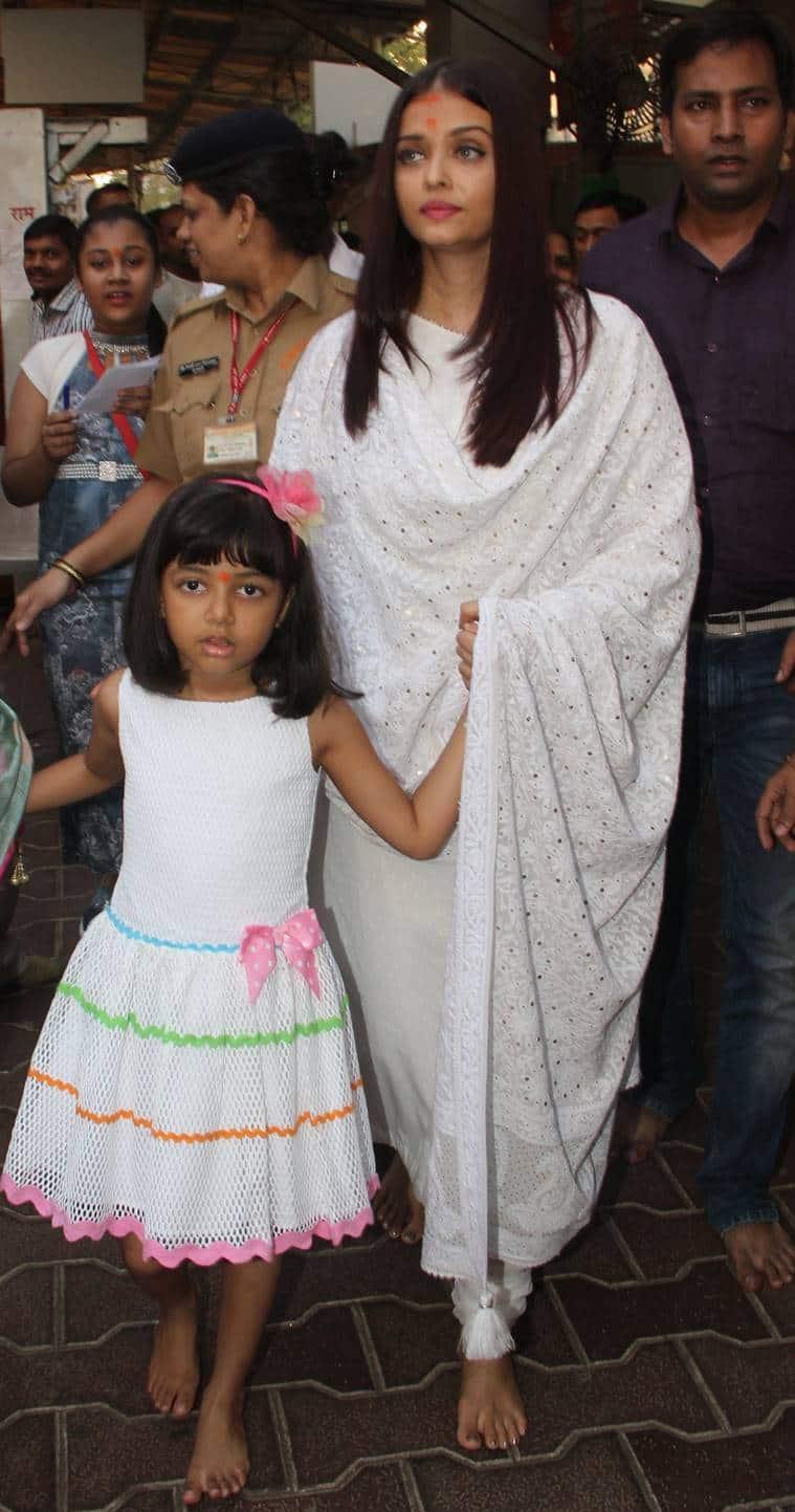 When Aishwarya Rai Bachchan and daughter Aaradhya twinned ...
