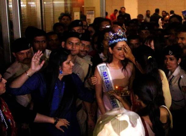 Miss World 2017 Manushi Chillar brings home her tiara, lands in Mumbai