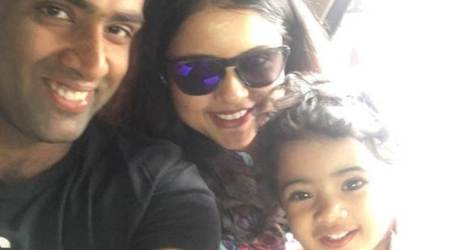 R Ashwin posts adorable pic of wife playing withdaughter