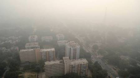 Trains, flights hit by smog for third consecutive day
