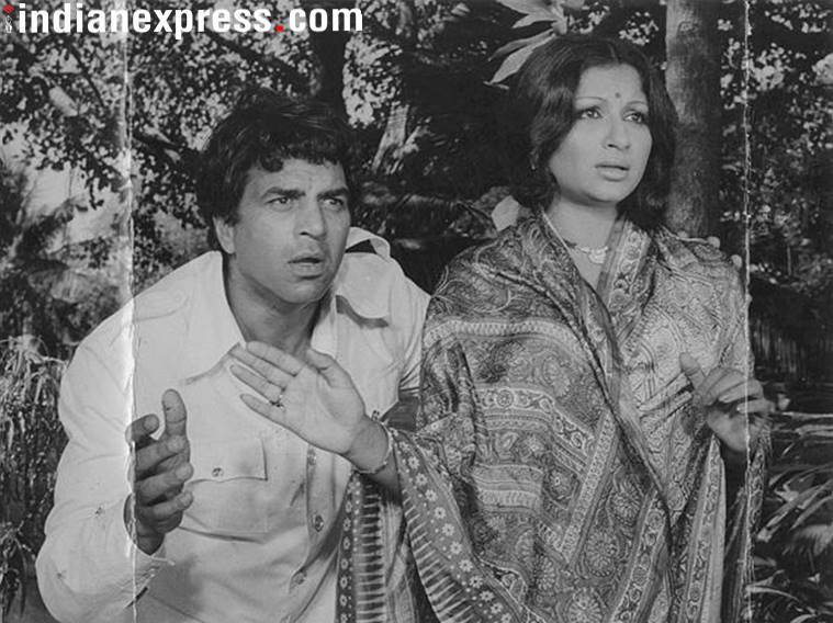 Dharmendra and Sharmila Tagore in Chupke Chupke.