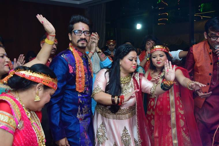 bharti and haarsh dance at maata ki chowki