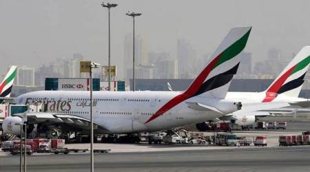 Emirates orders 40 Boeing 787 Dreamliners for $15.1 billion