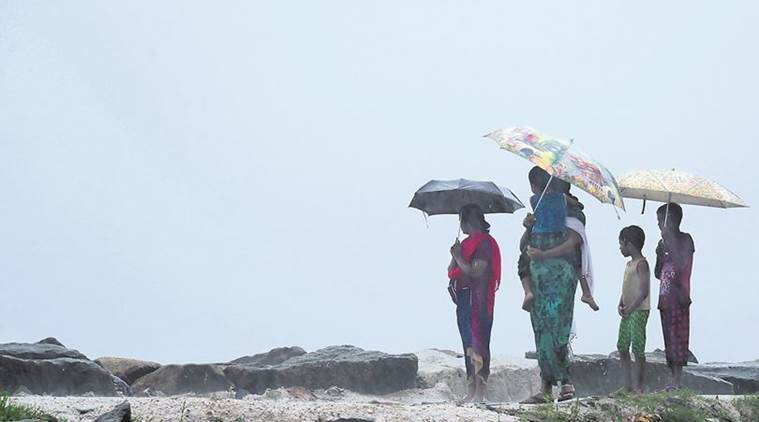Cyclone Ockhi LIVE updates: Death toll rises to 12, cyclone to intensify further in Lakshadweep