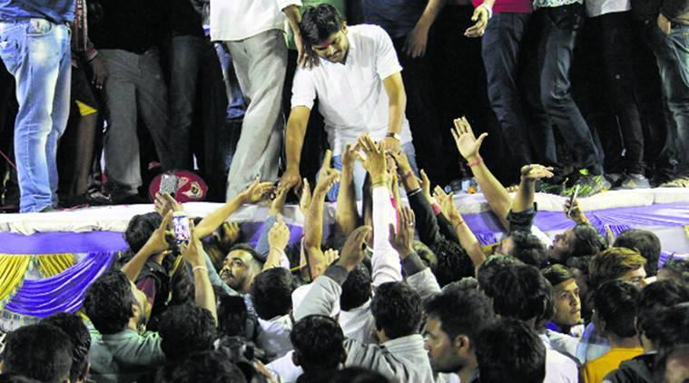 Hardik fails to drop 'bomb' at prestige rally