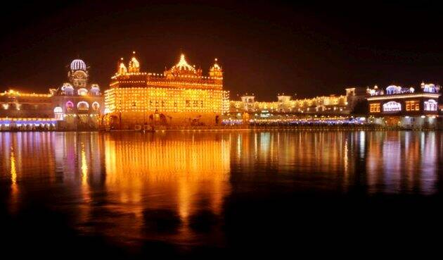 Guru Nanak Jayanti 2017, guru nanak jayanti photos, guru nanak jayanti celebration pics, gurunanak jayanti gurudwara pics, guru nanak jayanti birth anniversary, Gurpurab images, Gurpurab celebration, Guru Nanak Dev saint, Indian express, Indian express news