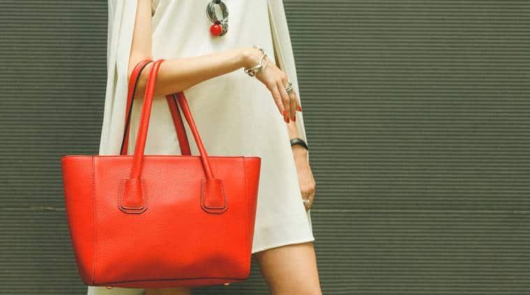 handbag, big bags, women big handbags, funny handbag stories, women's purse, things you find in ladies bag, things you find in woman's bag, sunday eye, eye 2017, indian express