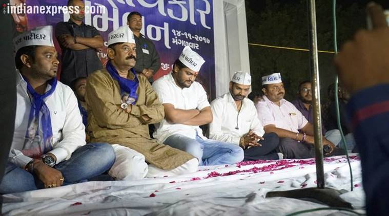 PAAS leader Hardik Patel is expected to announce the seat-sharing deal with the Congress in Rajkot today.