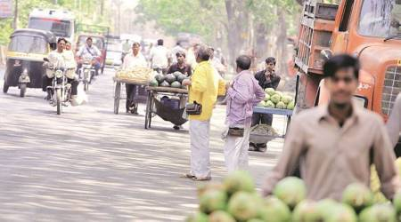 NMMC survey on hawkers: Unions protest move, say it's an attempt to remove poorhawkers