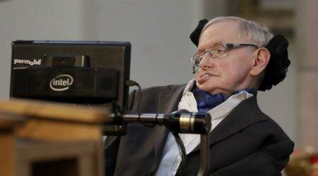 Stephen Hawking warns of limited days for humanity, AI dominance