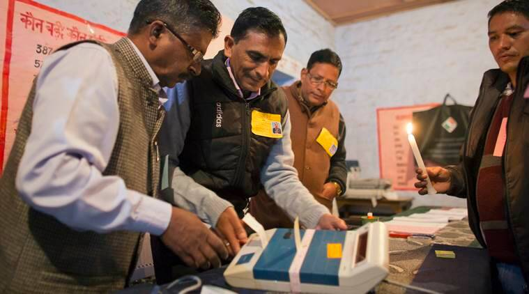 Himachal Pradesh Assembly Elections 2017, Virbhadra Singh, BJP, Prem Kumar Dhumal, Congress, Himachal Pradesh voting, VVPAT machines, India news, Indian Express