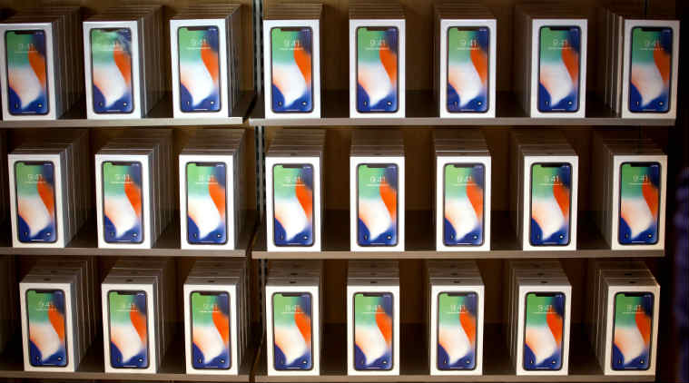 Apple iPhone X components, iPhone 8, IHS report, OLED screen, TrueDepth camera, Face ID, iPhone X price, iPhone 8 price, Samsung Galaxy S8, Toshiba, Skyworks, NXP Semiconductors, Broadcom, Qualcomm, Intel, iPhone 8 Plus, iPhone 5S, Texas Instruments