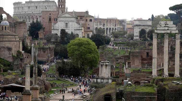 italy, italy museums, italytourists, italy places to visit, italy Colosseum,Roman amphitheater of Siracusa,the lagoon city of Venice,Pompeii complex,National Archaeological Museum of Reggio Calabria