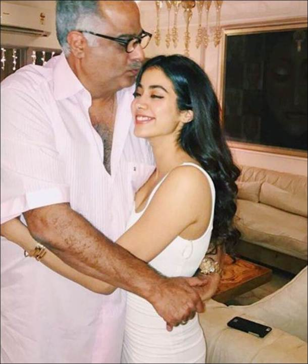 dhadak actor janhvi kapoor rare photos