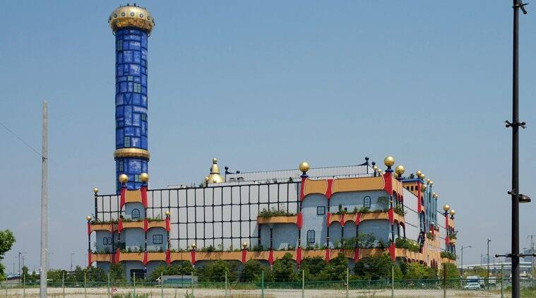 japan garbage factory looks like a theme park, tourists confuse garbage factory as theme park,