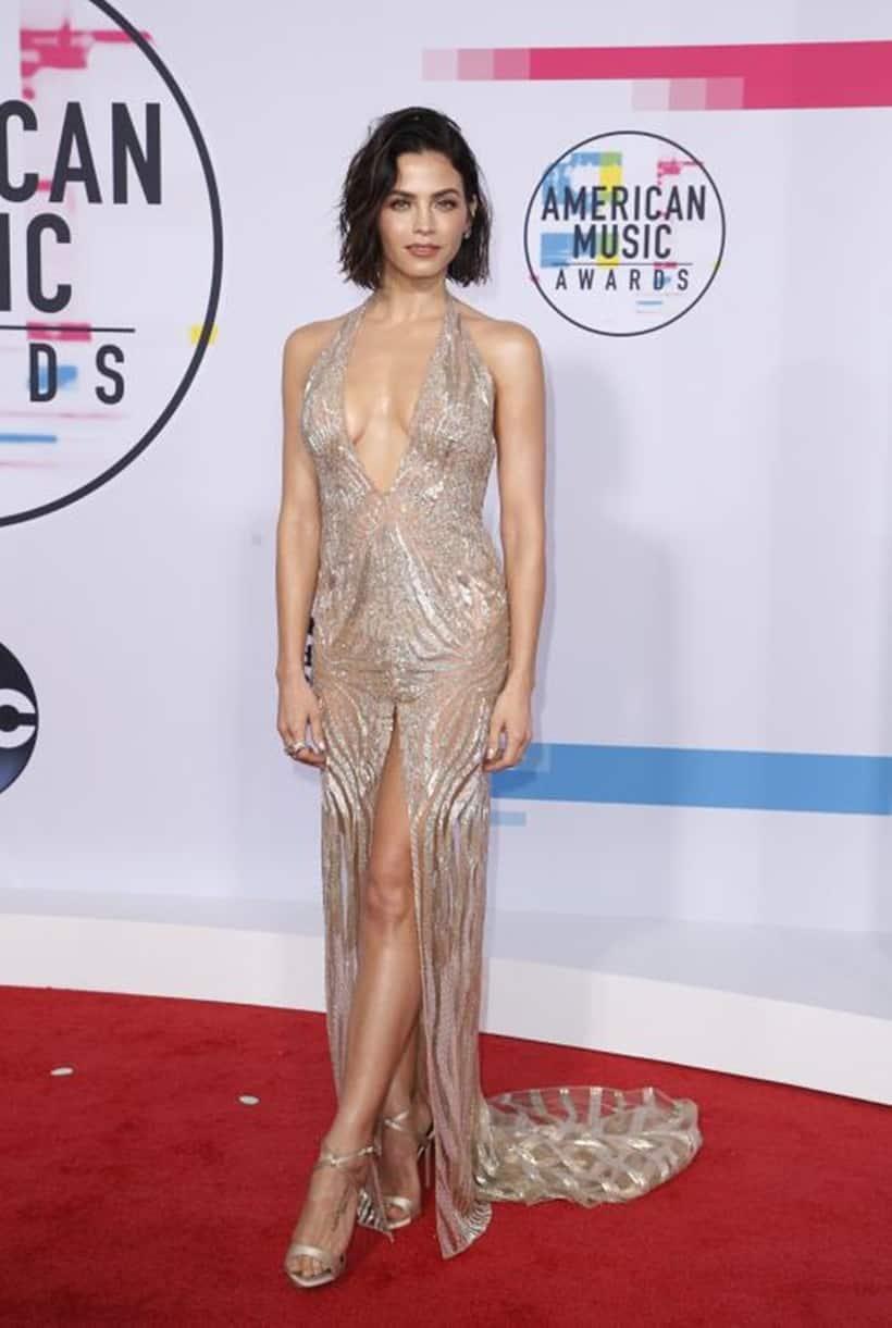 Demi Lovato, Selena Gomez, Heidi Klum, Lily Singh, American Music Awards 2017 Red Carpet, AMA, celeb fashion, Indian express, Indian express news