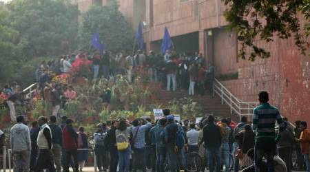 Four get JNU notice after trying to meet V-C on attendance issue