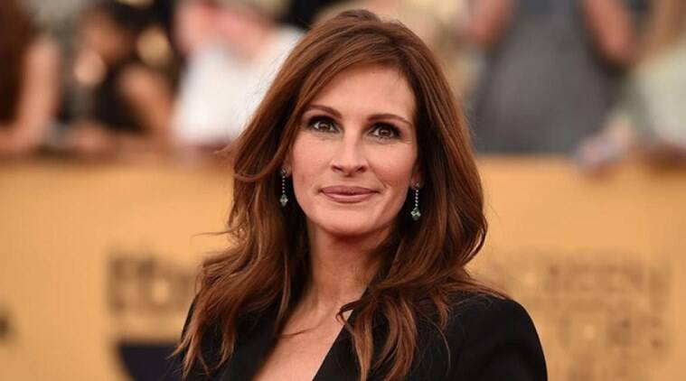 julia roberts says she is one of the lucky ones to have spared sexual harassment