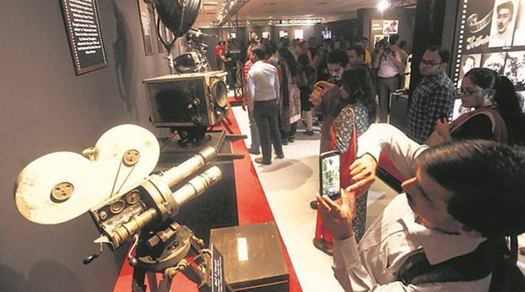 kolkata, vintage camera, exhibition, west bengal, satyajit ray, old fild cameras, cinematograpgy, indian films, indian express, express online