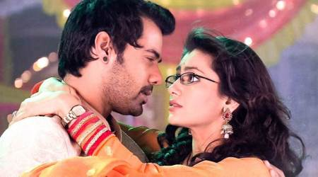 Kumkum Bhagya 21 December 2017 full episode written update: Abhi-Pragya try to escape Sangram's trap with Disha-Purab