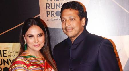 Lara Dutta just made a faux pas with this colourful sari-blouse combo