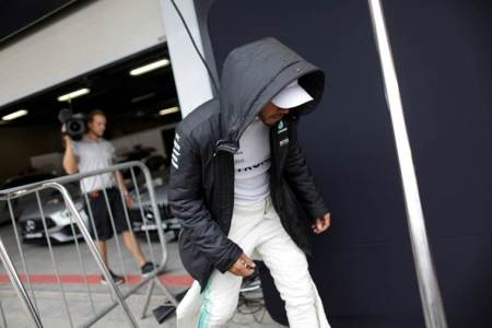 Brazil GP security tightened after armed robbery of Mercedes team