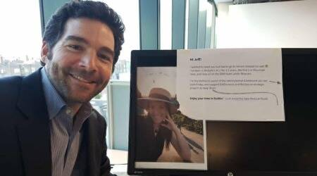 Here is why LinkedIn CEO Jeff Weiner's selfie at an employee's desk has gone viral