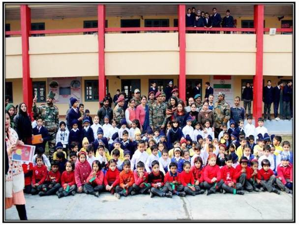 MS Dhoni with students of APS Srinagar