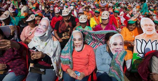 himachal pradesh elections, narendra modi pics, narendra modi photos, narendra modi himachal pradesh photos, narendra modi campaigning in himachal photos, narendra modi, modi in himachal pradesh, narendra modi election campaign, virbhadra singh, modi attacks congress, india news, indian express news